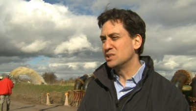 """Ed Miliband """"People here are saying the Government reaction was too slow"""""""